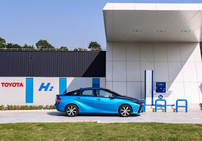 Toyota apunta a vender mas de 5 millones y medio de vehiculos electrificados por anio en 2030