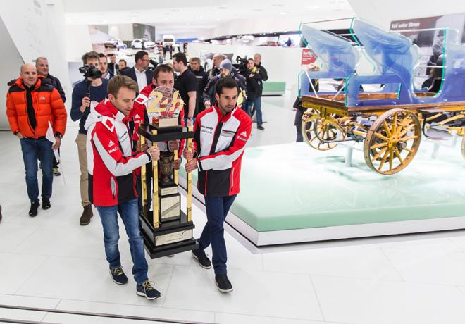 WEC - El trofeo Le Mans llega al Museo Porsche 1