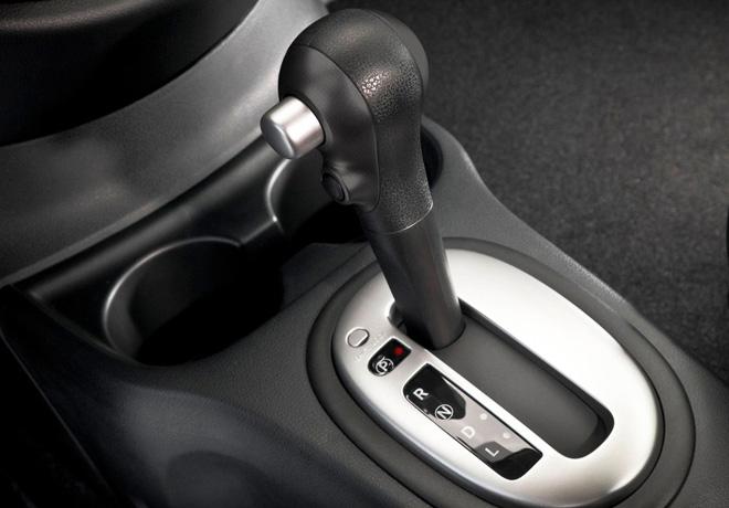 Nissan Versa Sense AT 2
