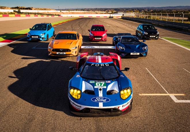 Ford reunio a sus 8 modelos de performance en un desafio inedito
