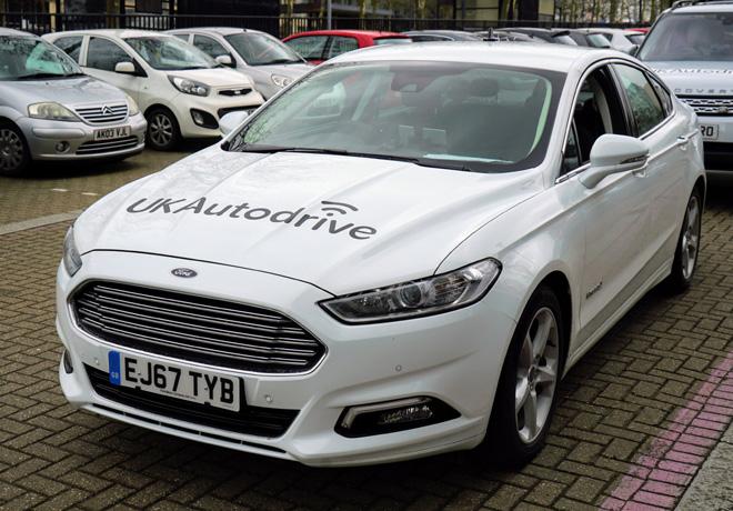 Ford prueba en el Reino Unido una nueva tecnologia de estacionamiento colaborativo 1