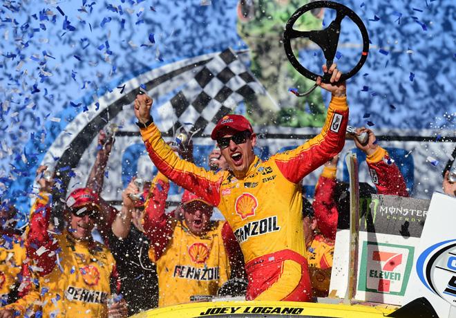 NASCAR - Talladega 2018 - Joey Logano en el Victory Lane
