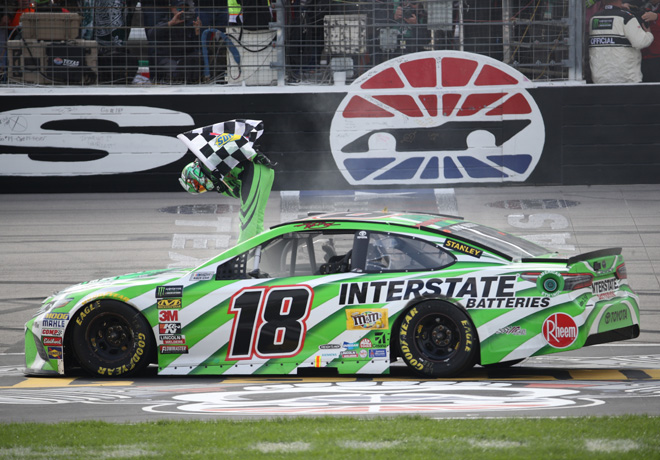 NASCAR - Texas 2018 - Kyle Busch - Toyota Camry