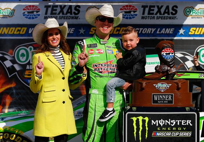 NASCAR - Texas 2018 - Kyle Busch en el Victory Lane