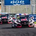 WTCR - Hungaroring - Hungria 2018 - Carrera 1 - Yann Ehrlacher y Esteban Guerrieri - Honda Civic TCR