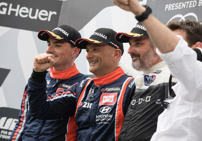 WTCR - Hungaroring - Hungria 2018 - Carrera 3 - Norbert Michelisz - Gabriele Tarquini - Yvan Muller en el Podio