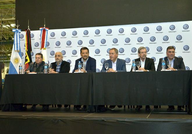 VW Argentina recibio en el Centro Industrial Cprdoba al gobernador Juan Schiaretti 1