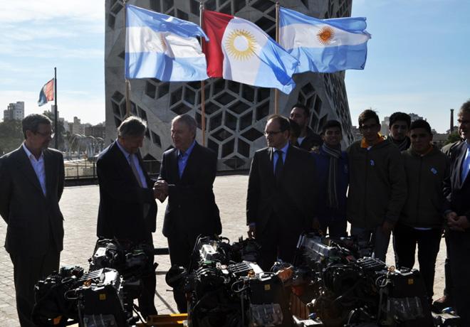 FCA donó 45 motores a escuelas técnicas de la Provincia de Córdoba.