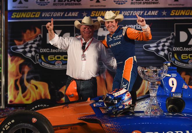 IndyCar - Texas 2018 - Carrera - Chip Ganassi y Scott Dixon en el Victory Lane