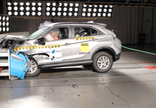 Latin NCAP - Mitsubishi Eclipse Cross - con 7 Airbags
