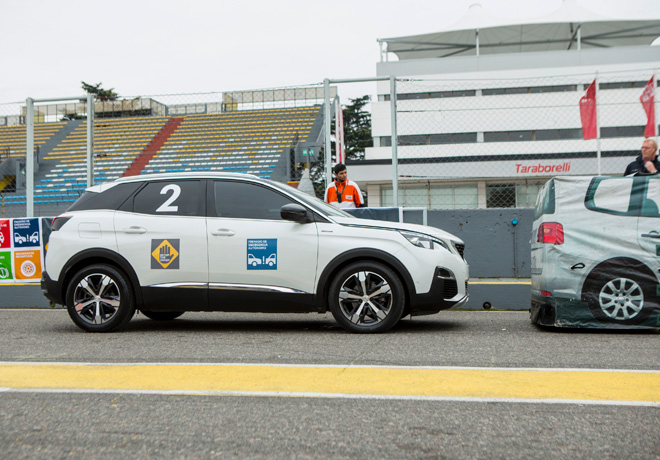 Peugeot 3008 participó de la primera edicion de Stop The Crash en Argentina 2