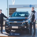 Rodigro Fiocco -Director de Marketing de Producto GM Mercosur- y Agustin Mazzola -Gerente de Producto GM Mercosur- junto a la Chevrolet S10 en Agroactiva 2018