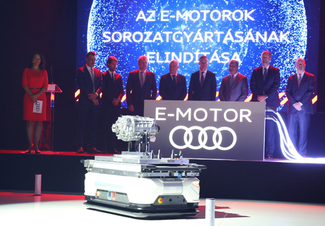 Audi comenzo a producir sus motores electricos en Hungria 1