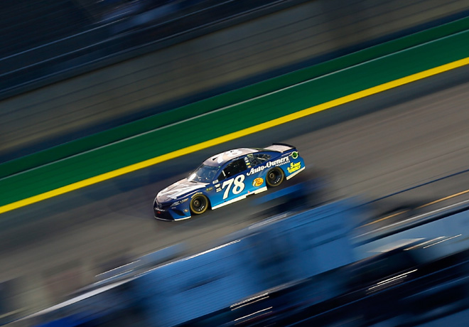 NASCAR - Kentucky 2018 - Martin Truex Jr - Toyota Camry