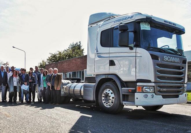 Scania Argentina presento los primeros camiones propulsados a gas natural licuado del pais 1