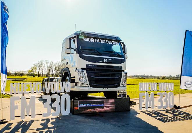 Volvo Trucks FM330 6X2T