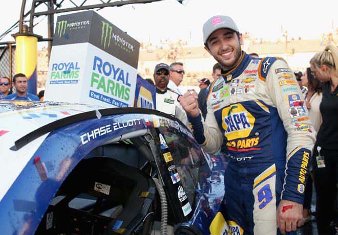 NASCAR - Dover 2018 - Chase Elliott en el Victory Lane