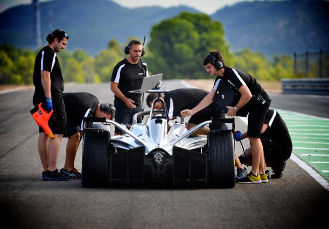 Nissan hace su debut oficial en la Formula E
