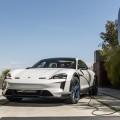 Porsche comienza la era electrica con el nuevo Taycan 1