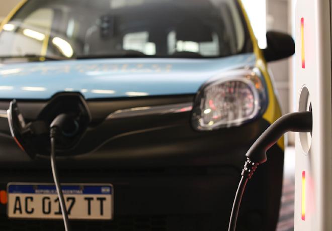 Renault aporto dos Renault Kangoo ZE para el Plan de Movilidad Limpia de la Ciudad de Buenos Aires 2