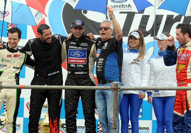 Turismo Nacional en San Luis: Victoria de Grasso y campeonato para Posco en la Clase 2. Pernía venció en la Clase 3.
