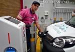 Axion energy inauguro el primer surtidor de carga electrica en su estacion de servicio de Libertador y Salguero de CABA 4