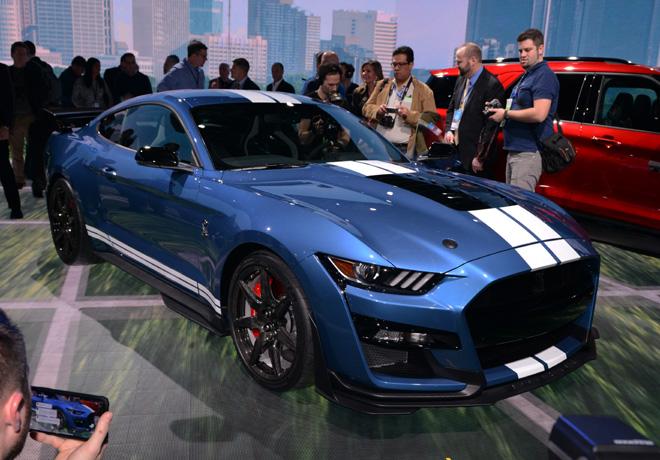 Ford presento el Nuevo Mustang Shelby GT500 en el Salon de Detroit 1