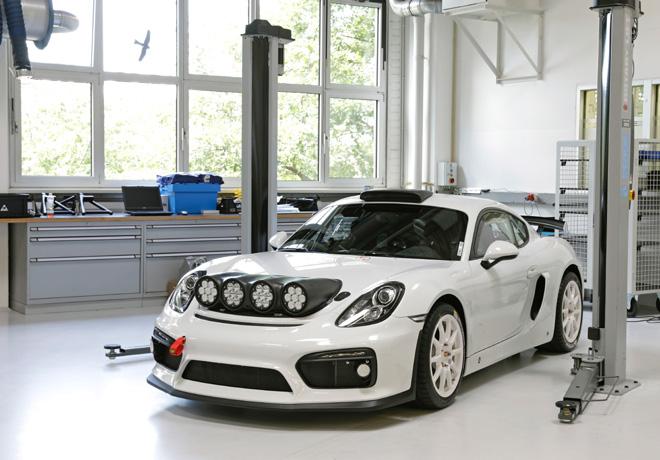 Porsche Cayman GT4 Rallye 1
