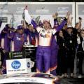 NASCAR - Daytona 2019 - Denny Hamlin en el Victory Lane