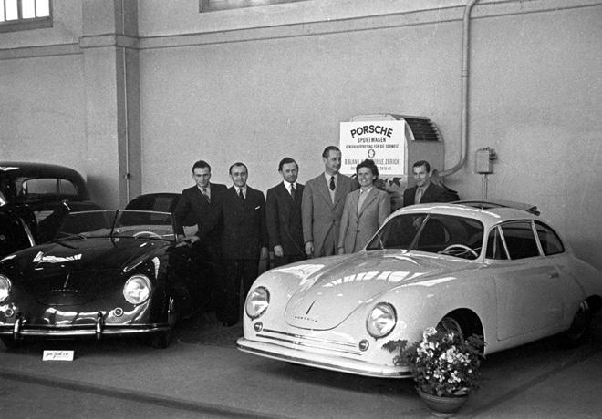 Porsche - Ginebra 1949 - la marca se presento por primera vez al publico internacional con el 356 Coupe y el 356 Cabriolet