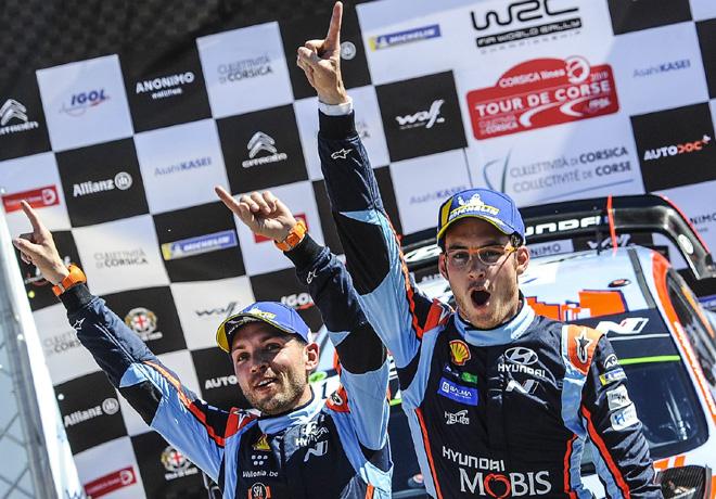 WRC - Corcega 2019 - Final - Thierry Neuville en el Podio