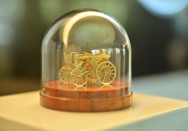 Mercedes-Benz Argentina dono al Museo Fangio una replica del primer vehiculo de Daimler