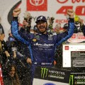NASCAR - Richmond 2019 - Martin Truex Jr en el Victory Lane