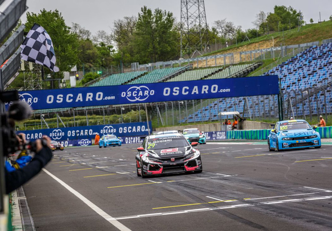 WTCR - Hungaroring - Hungria 2019 - Carrera 1 - Nestor Girolami - Honda Civic TCR