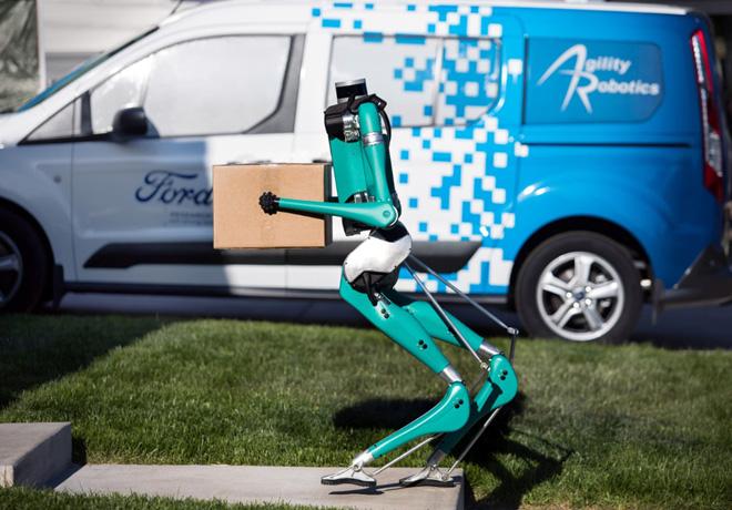 Digit: Un pequeño robot de Ford que podría cambiar la manera en que los vehículos autónomos hacen las entregas.