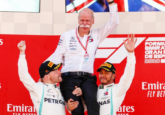 F1 - Espana 2019 - Carrera - Valtteri Bottas - Dieter Zetsche - Lewis Hamilton en el Podio