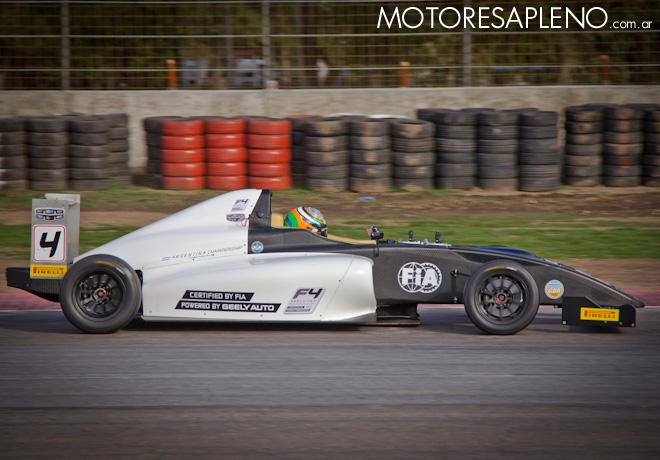 Matías Rossi probó el F4 Argentina Championship 2
