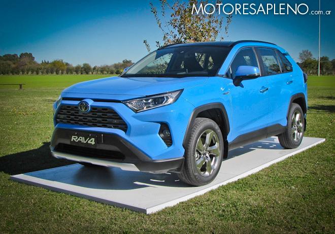 Toyota Argentina amplía su line-up híbrido y estrena equipamiento de seguridad con la Nueva RAV4.