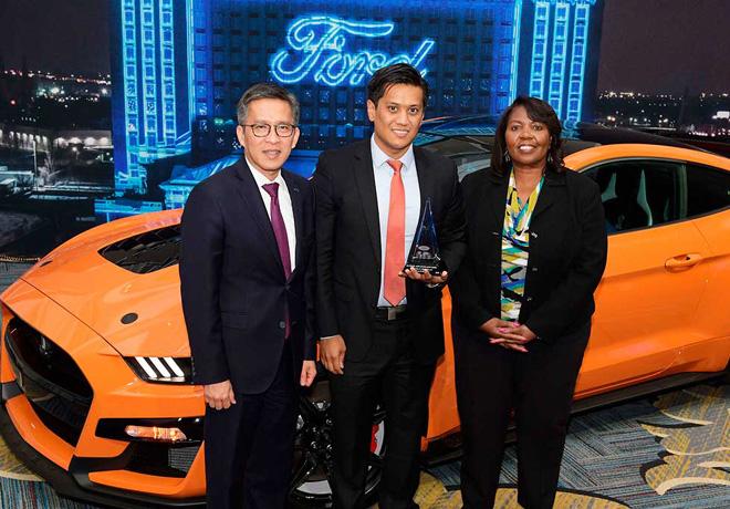 Ford honra a Pirelli en la 21ª edición de los Premios Anuales a la Excelencia Mundial.