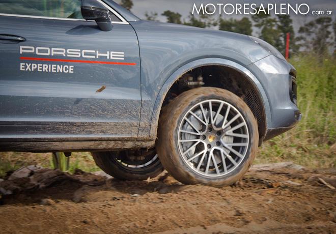 Michelin - El maximo rendimiento de los neumaticos en el Porsche World Roadshow 2019 3