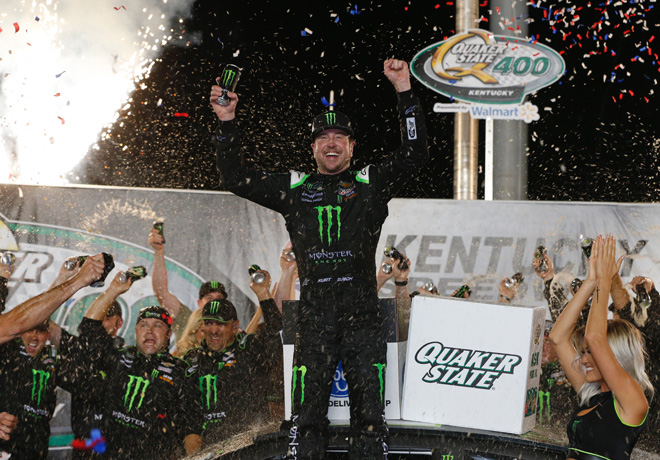 NASCAR - Kentucky 2019 - Kurt Busch en el Victory Lane