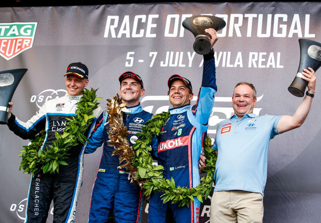 WTCR - Vila Real - Portugal 2019 - Carrera 1 - Yann Ehrlacher - Norbert Michelisz - Augusto Farfus en el Podio