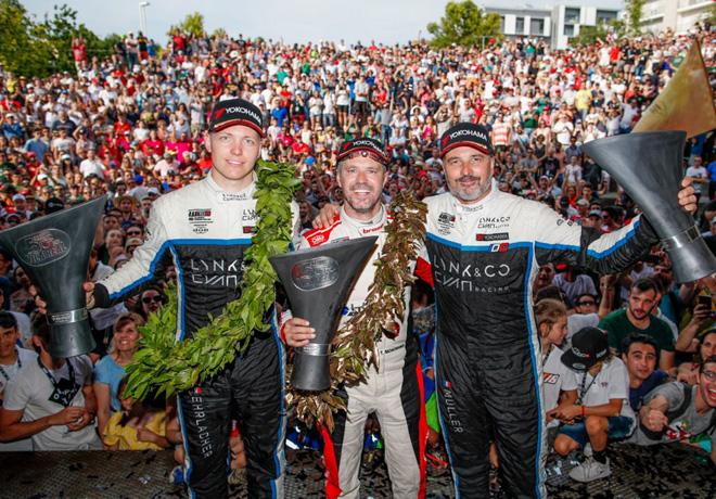 WTCR - Vila Real - Portugal 2019 - Carrera 3 - Yann Ehrlacher - Tiago Monteiro - Yvan Muller en el Podio