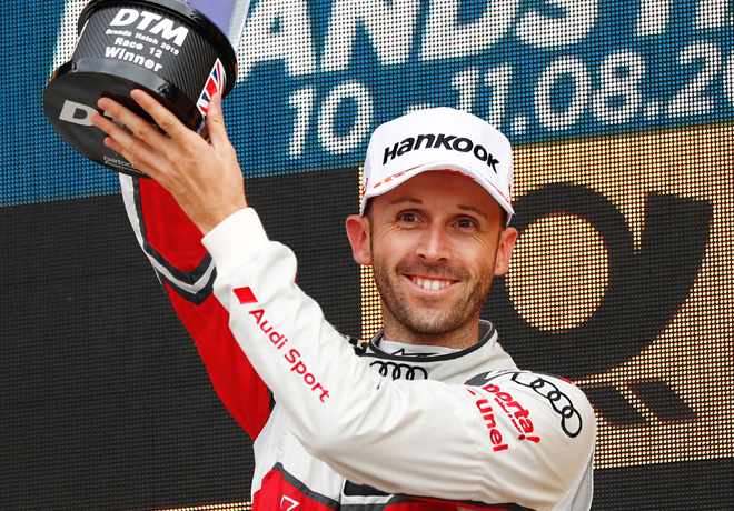 DTM - Brands Hatch 2019 - Carrera 2 - Rene Rast en el Podio