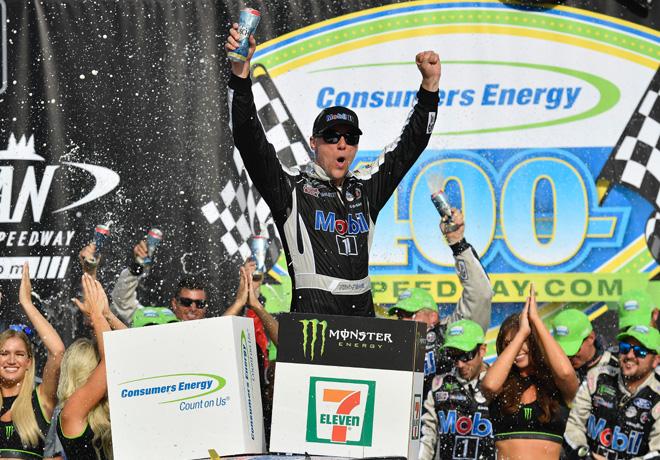 NASCAR - Michigan 2019 - Kevin Harvick en el Victory Lane