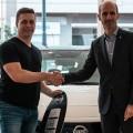 Nissan entrega la primera unidad de LEAF en la Argentina 1