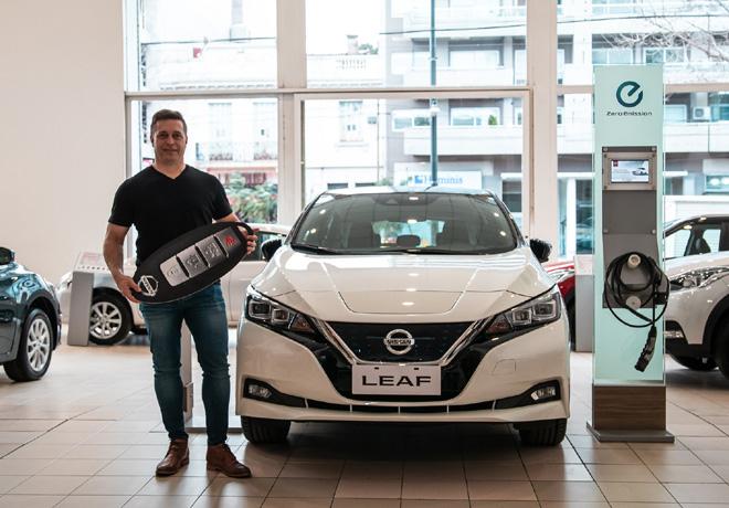 Nissan entrega la primera unidad de LEAF en la Argentina 2