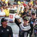 NASCAR - Indianapolis 2019 - Kevin Harvick en el Victory Lane