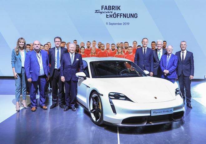 Porsche inaugura la fabrica de su nuevo vehiculo 100 por ciento electrico - el Taycan 1