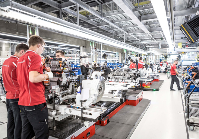 Porsche inaugura la fabrica de su nuevo vehiculo 100 por ciento electrico - el Taycan 2